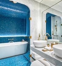 a-matild-palace-a-luxury-collection-hotel-budapest-lerantja-a-leplet-az-mkv-design-altal-tervezett-impozans-belso-tereirol-harmadik.jpg