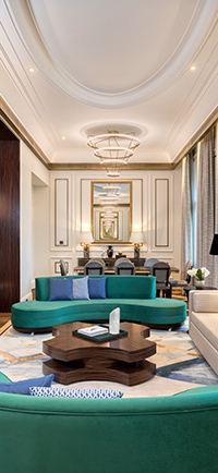 a-matild-palace-a-luxury-collection-hotel-budapest-lerantja-a-leplet-az-mkv-design-altal-tervezett-impozans-belso-tereirol-masodik.jpg