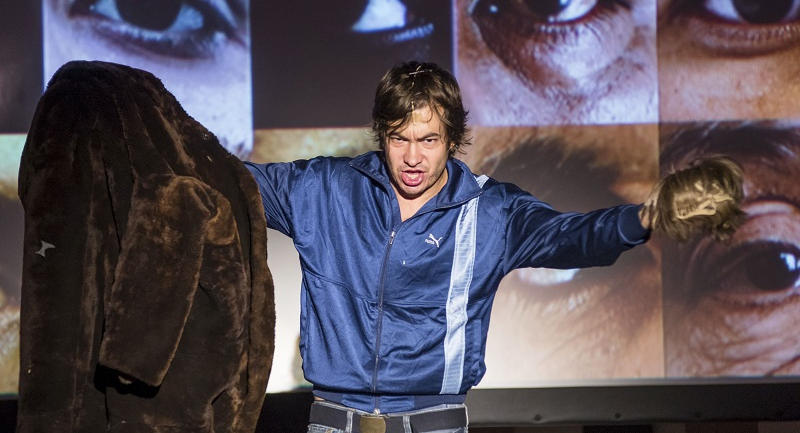 Ketten – egyedül a Proton Színház színpadán