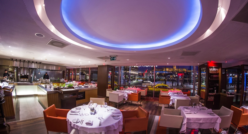 paris-budapest-restaurant-bar.jpg